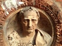 Julius - mortar roundel. Frame; red terracotta